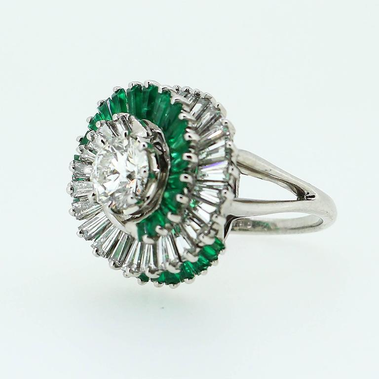 1950s  Emerald  Diamond Spiral Motif Ring For Sale 3