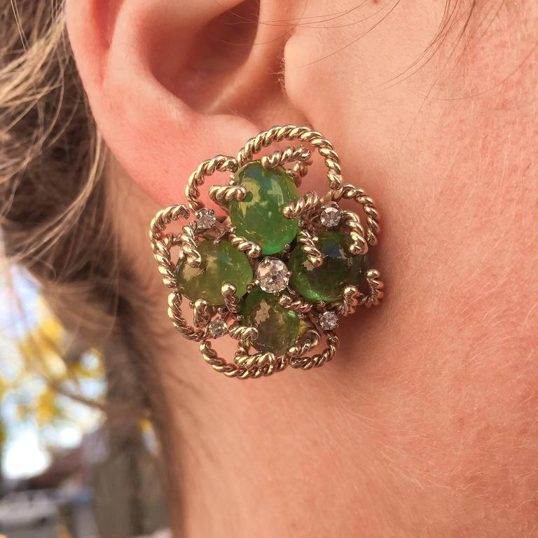 1970s Modernist Cabochon Emerald and Old Cut Diamond Clover-Motif Earrings For Sale 1