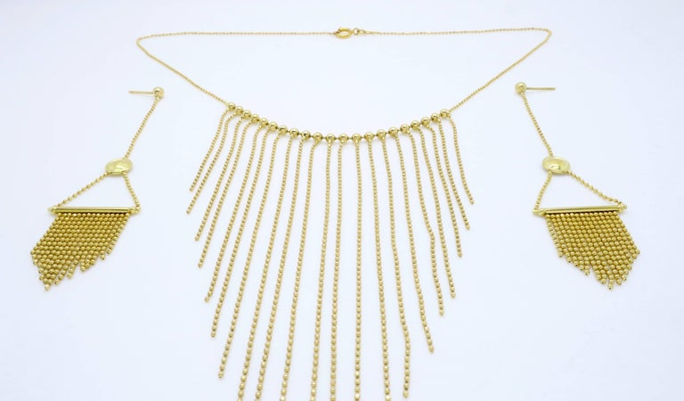 18 Karat Gold Fringe Necklace and Earring Set  In New Condition For Sale In Webster, NY