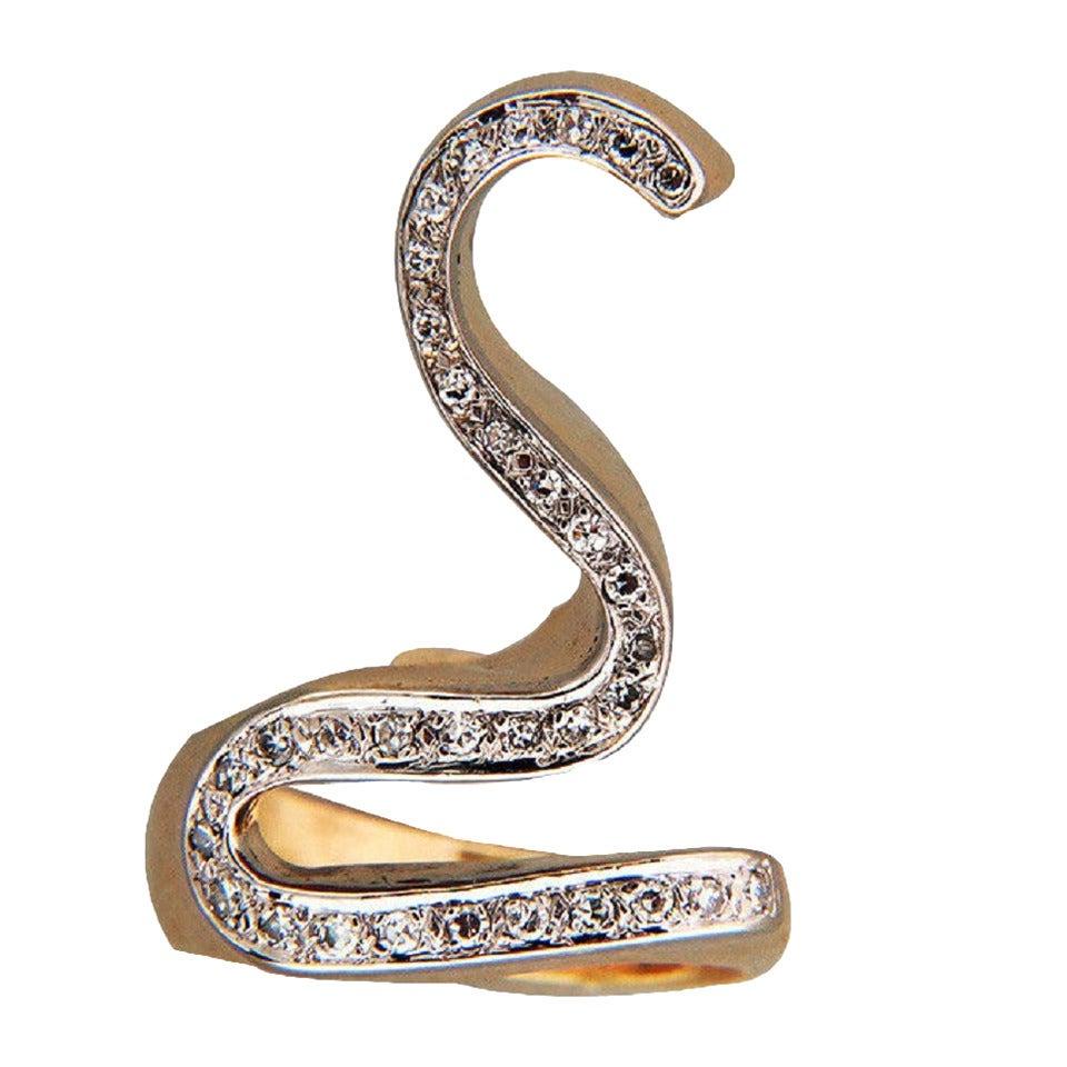 Swirl Round Diamond Gold Ring