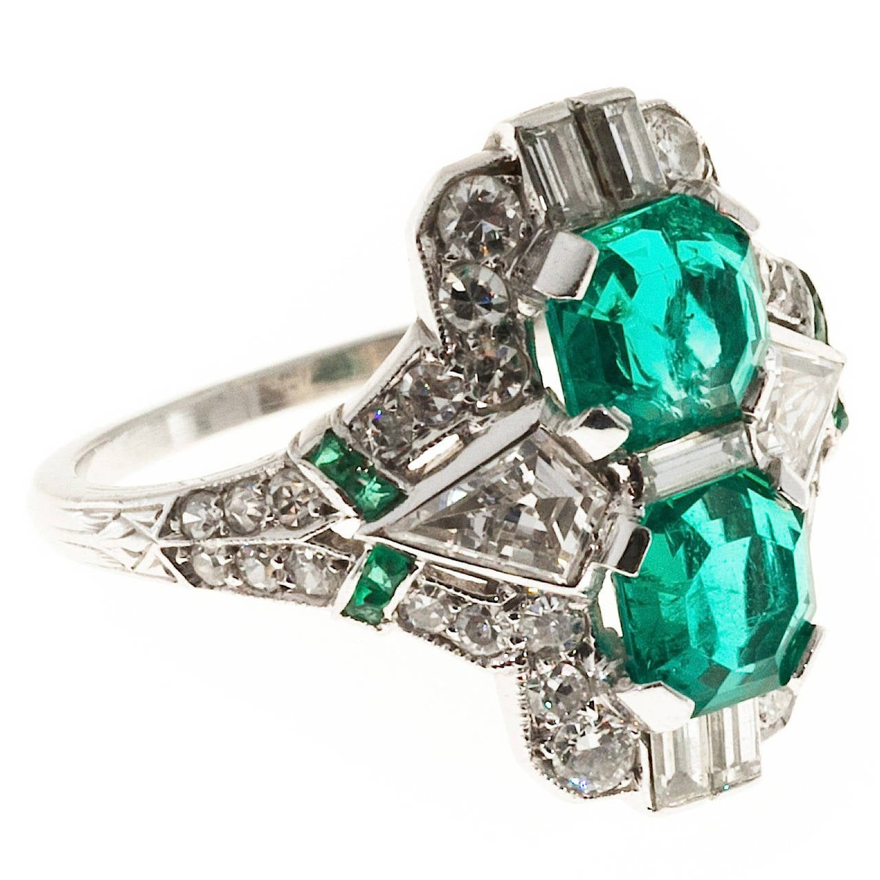 Art Deco Emerald Diamond Platinum Ring For Sale at 1stdibs