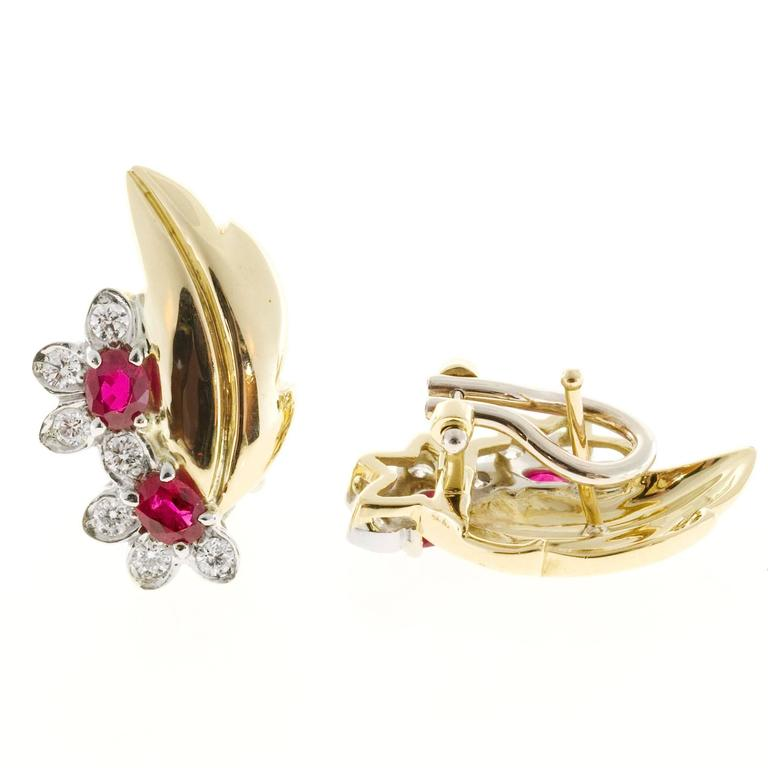 Ruby Diamond Gold Flower Leaf Design Clip Post Earrings In Good Condition For Sale In Stamford, CT