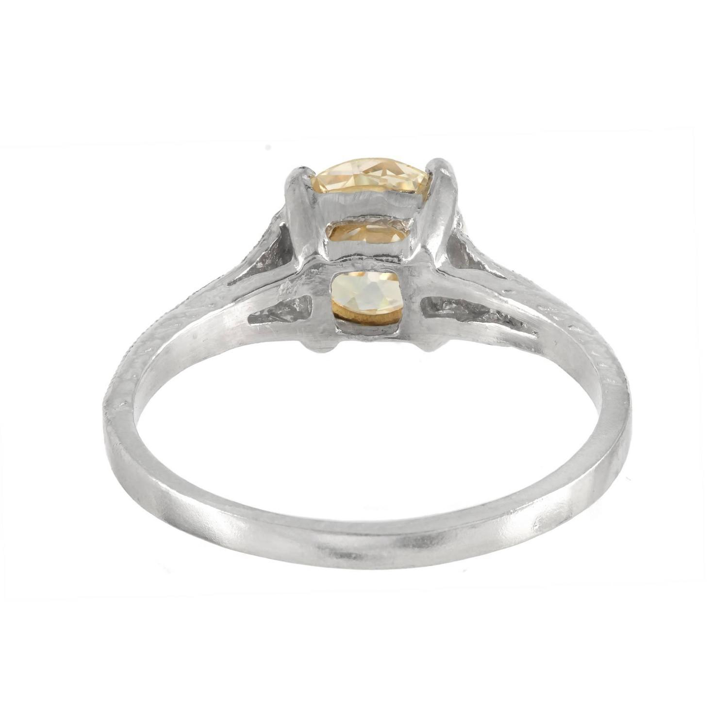 Natural Light Yellow Diamond Platinum Engagement Ring For Sale at 1stdibs
