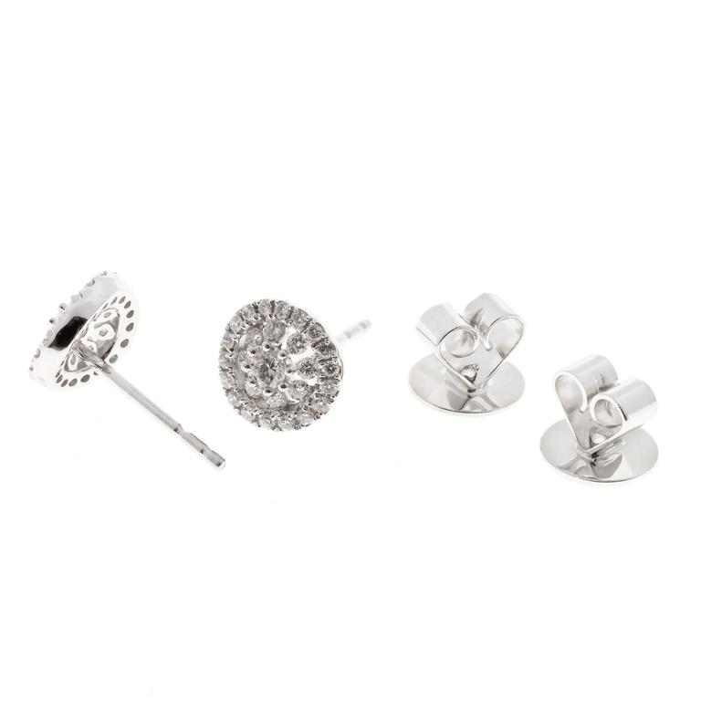 Memoire Diamond Gold Bouquet Stud Earrings In Good Condition For Sale In Stamford, CT