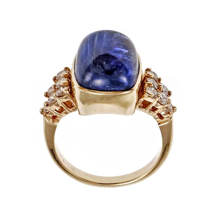 Blue Purple Tanzanite Diamond Gold Engagement Ring In Good Condition For Sale In Stamford, CT