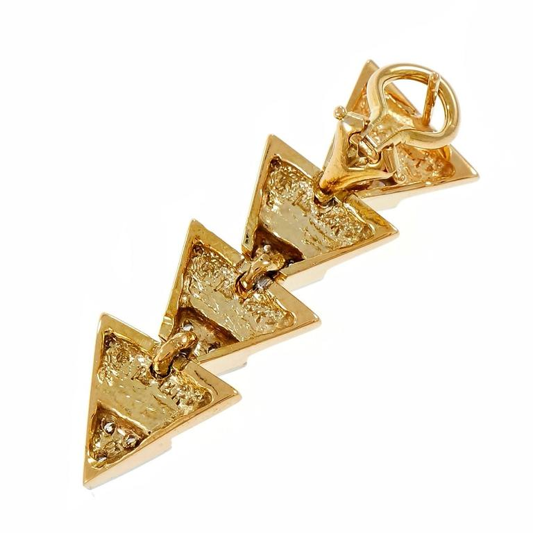 triangle diamond gold dangle earrings for sale at 1stdibs. Black Bedroom Furniture Sets. Home Design Ideas