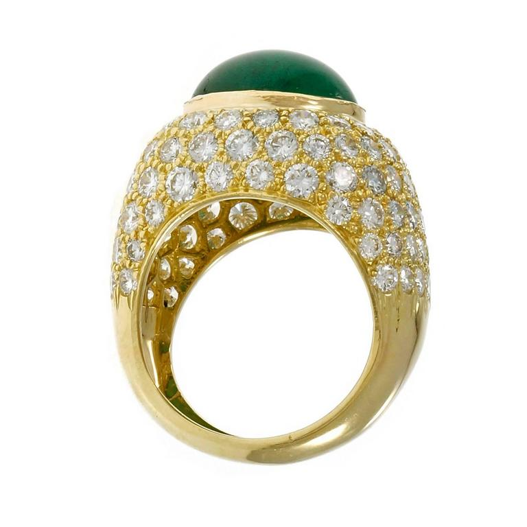 Green Cabochon Emerald Diamond Dome Gold Cocktail Ring In Good Condition For Sale In Stamford, CT