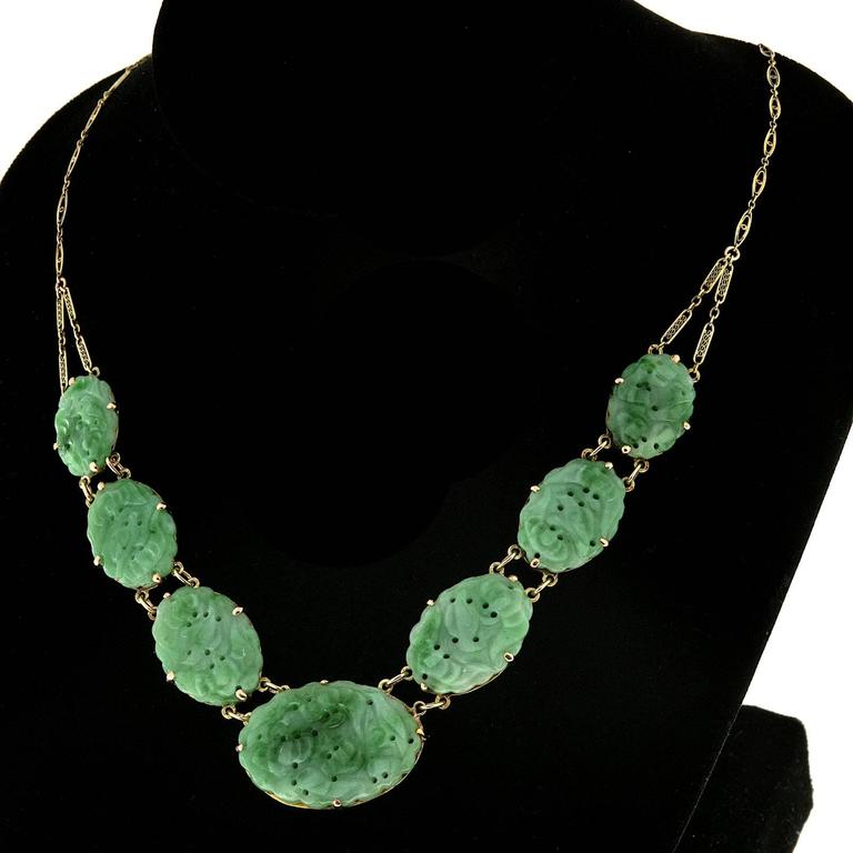 Women's Seven Stone Oval Natural Jadeite Jade Gold Pendant Necklace  For Sale