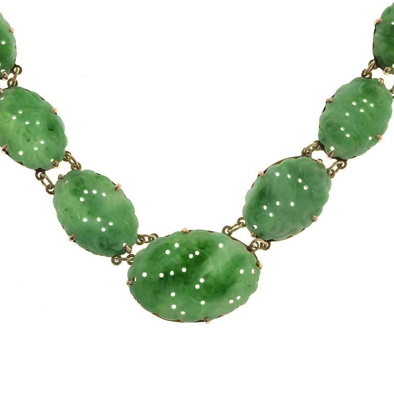 Seven Stone Oval Natural Jadeite Jade Gold Pendant Necklace  For Sale 3