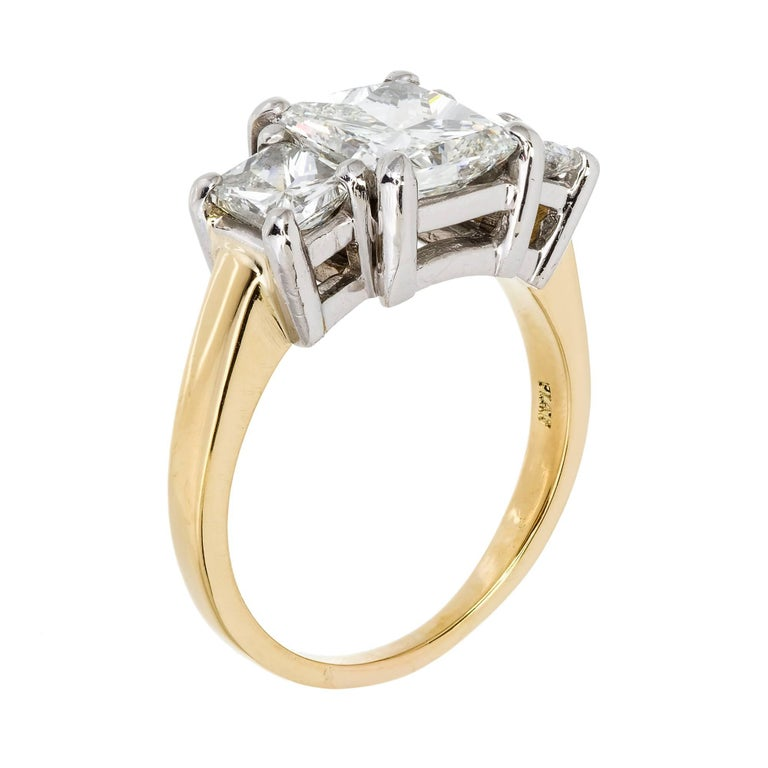 Peter Suchy 3.27 Carat Diamond Three-Stone Gold Platinum Engagement Ring For Sale 2