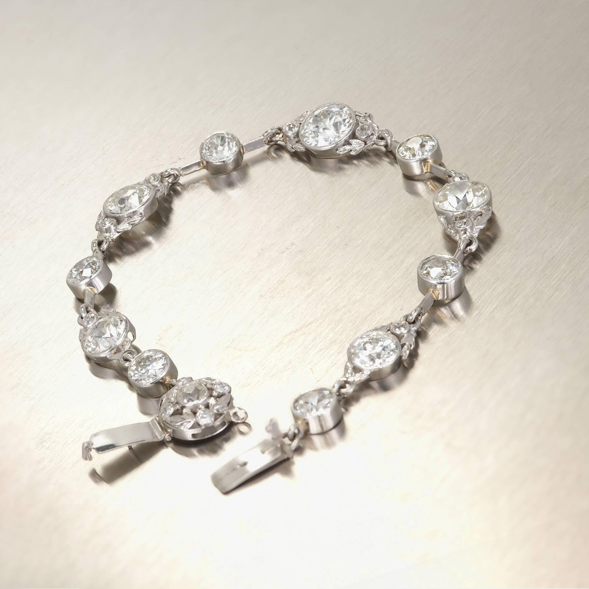 marquise set carats pin in diamond weighing diamonds with bracelet shaped impressive and pear