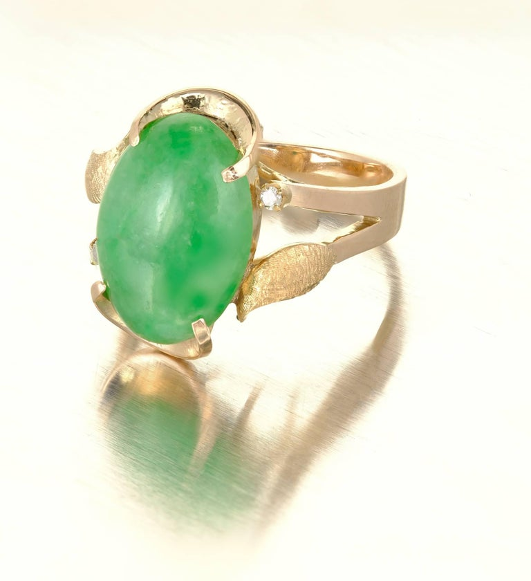 GIA Certified Natural Mottled Green Jadeite Jade Diamond Gold Cocktail Ring In Good Condition For Sale In Stamford, CT