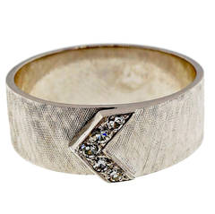 Men's Diamond V Design Gold Band Ring
