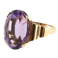 Oval Amethyst Gold Cocktail Ring