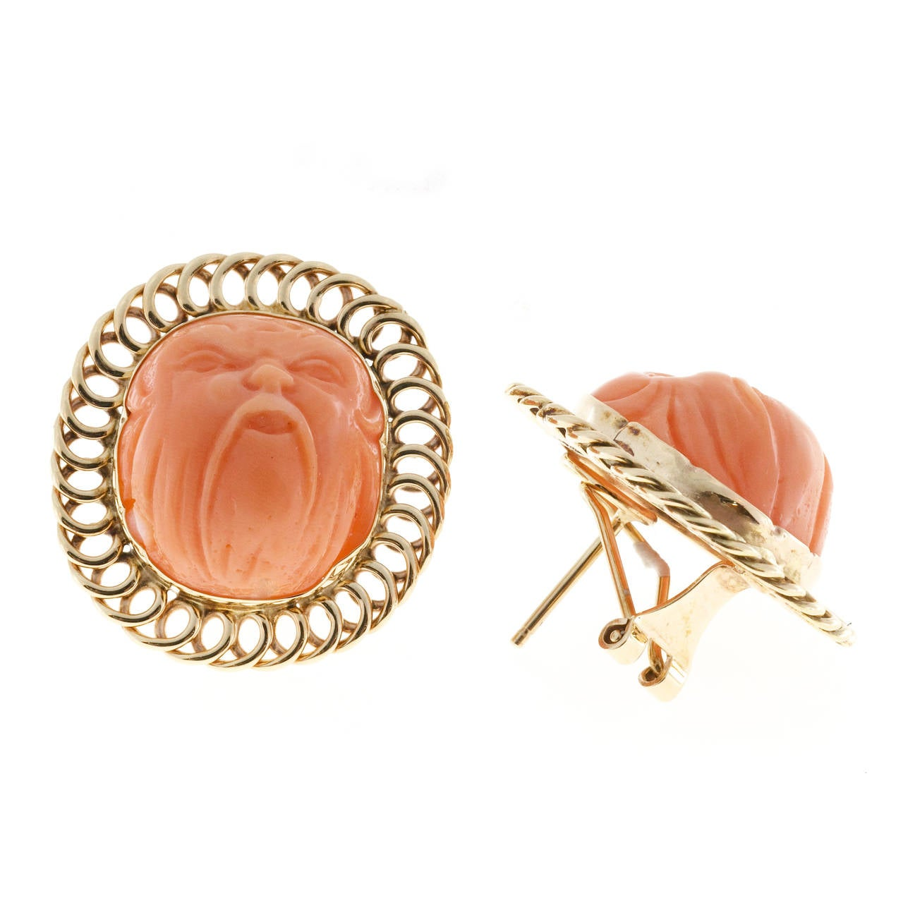 Carved Angel Skin Coral Gold Ear Clips In Good Condition For Sale In Stamford, CT