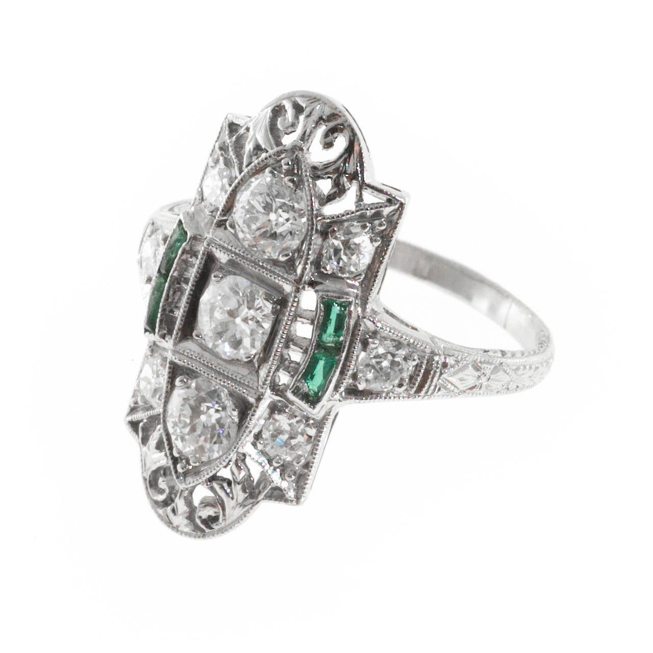 deco emerald pierced engraved platinum ring