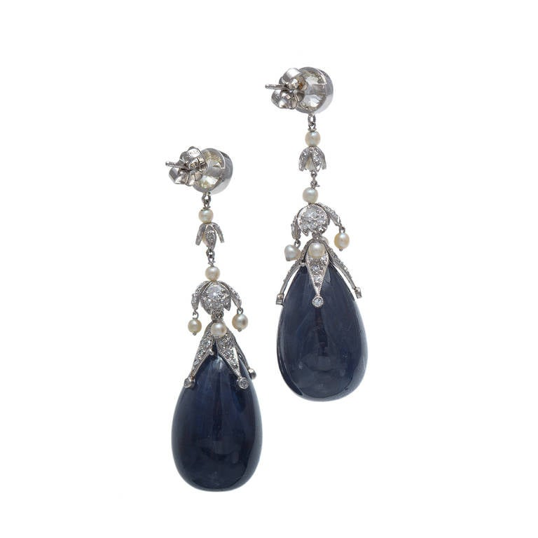 82.82 Carat Sapphire Diamond Pearl Belle Époque Platinum Dangle Earrings In Good Condition For Sale In Stamford, CT