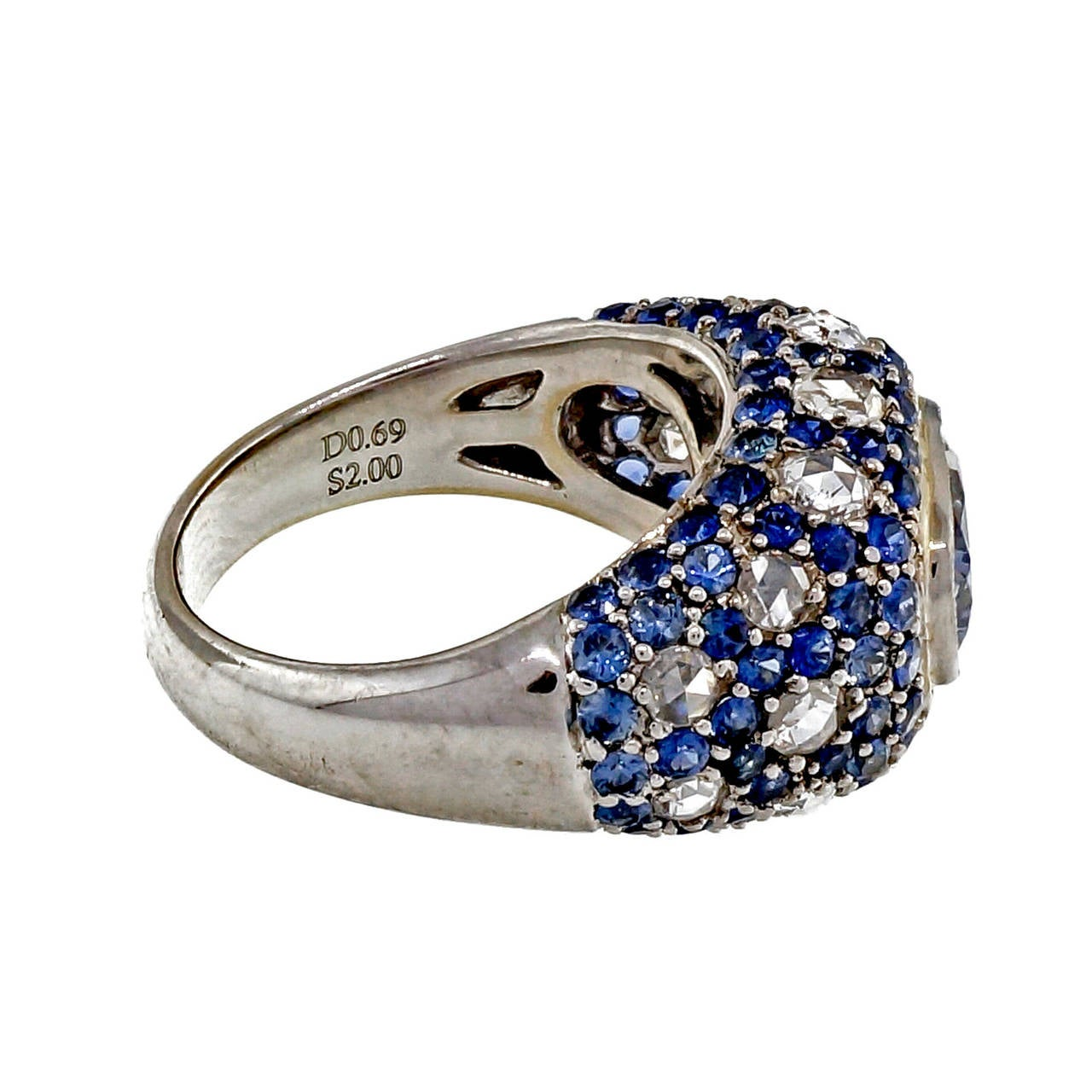 Sapphire Diamond Gold Dome Ring In Good Condition For Sale In Stamford, CT