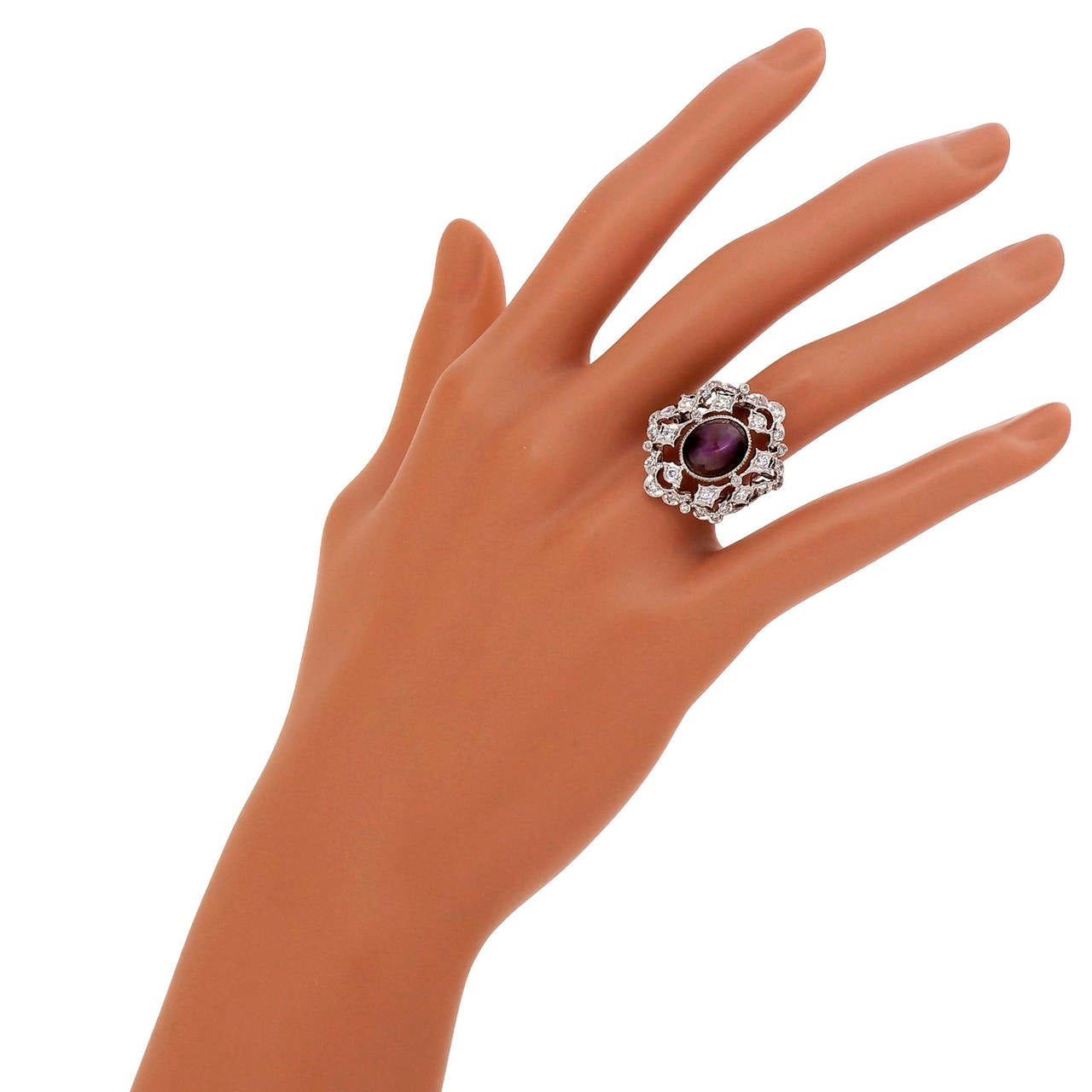 Natural Purple-Red Star Ruby Diamond Gold Cocktail Ring For Sale 4