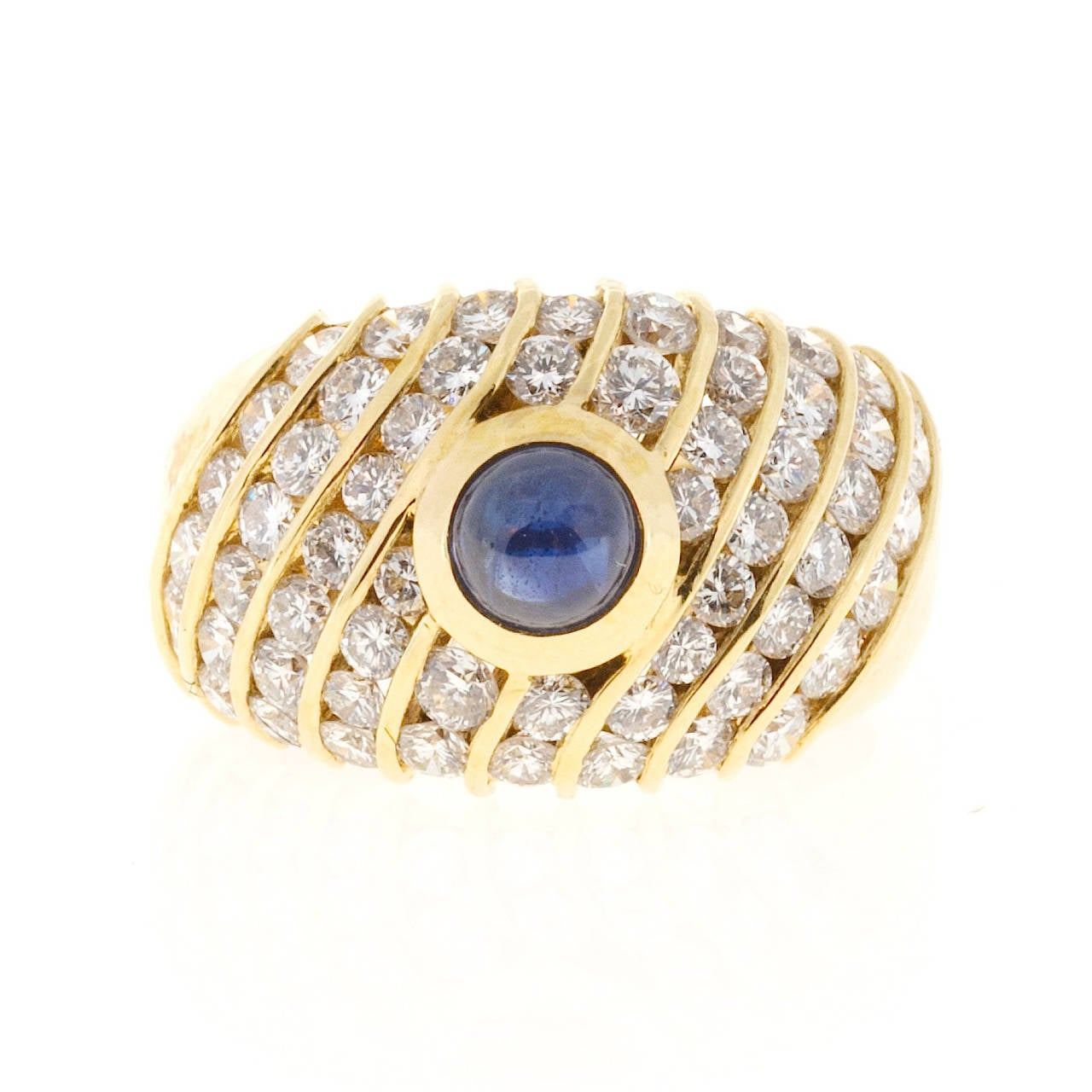 Sapphire Cabochon Diamond Gold Dome Ring In Good Condition For Sale In Stamford, CT