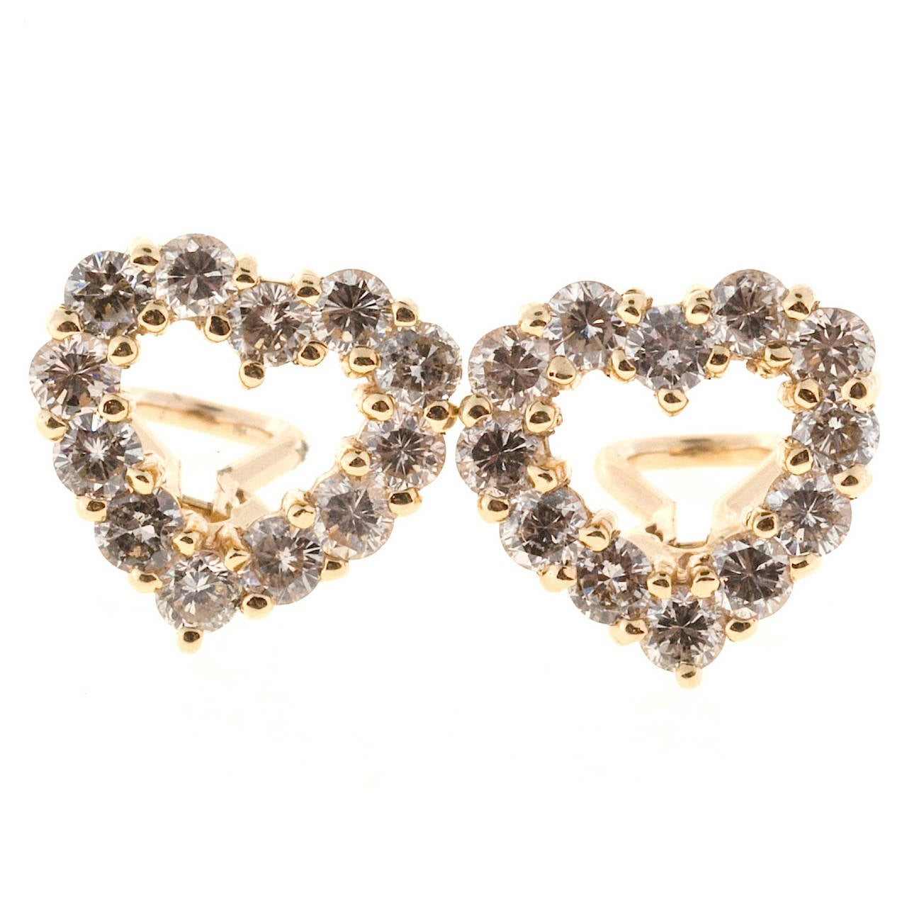 Diamond Gold Heart Shaped Earrings In Good Condition For Sale In Stamford, CT