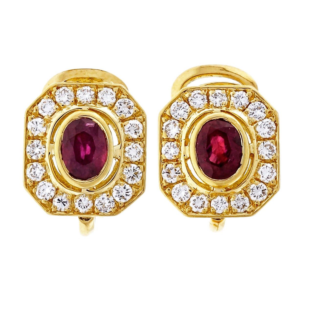 Red Oval Ruby Diamond Gold Earrings In Good Condition For Sale In Stamford, CT