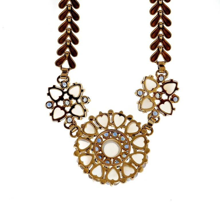 Wefferling Berry & Co. Natural Moonstone Sapphire Yellow Gold Necklace In Good Condition For Sale In Stamford, CT