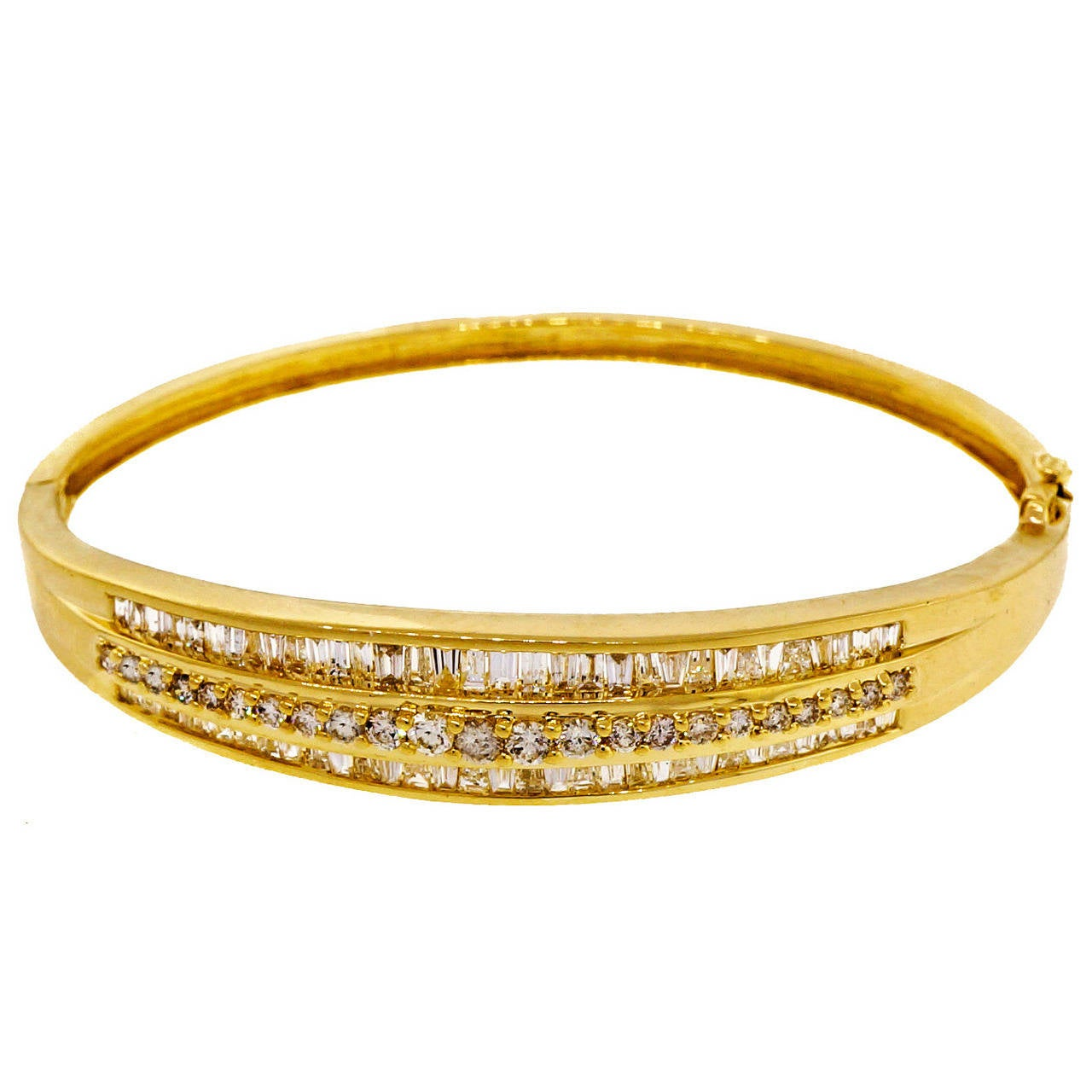 1.66 Carat Baguette Round Diamond Hinged Gold Bangle Bracelet For Sale