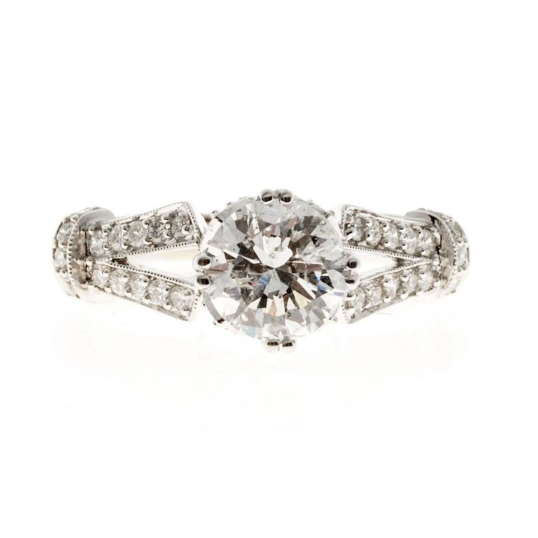 Crown Design Diamond Gold Engagement Ring 4