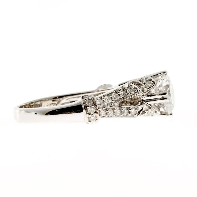 Crown Design Diamond Gold Engagement Ring 5