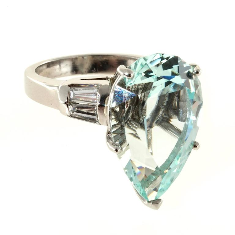 1940s Pear Shaped Natural Aquamarine Diamond Platinum Ring For Sale at 1stdibs