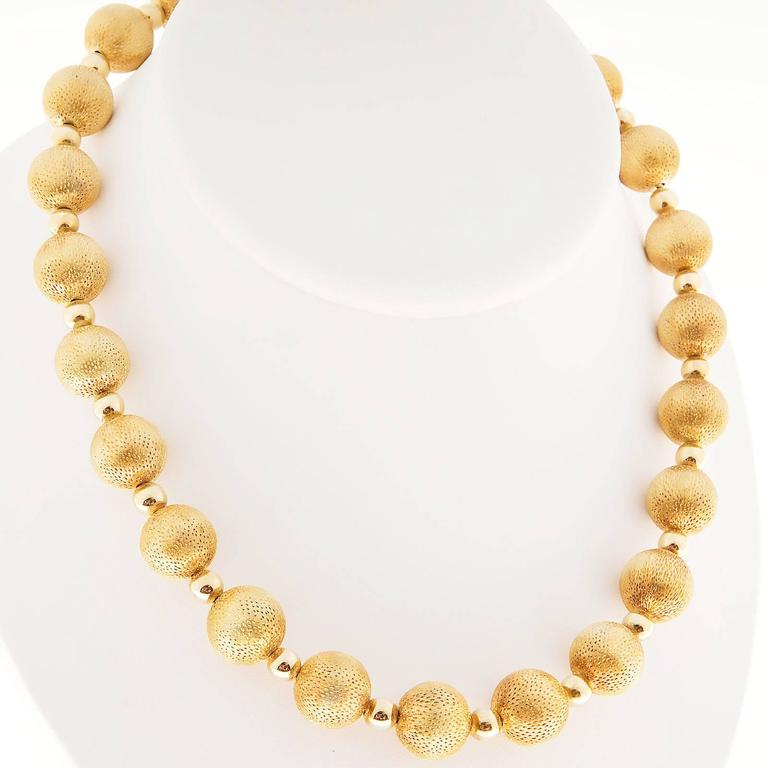 Textured Gold Beaded Necklace For Sale 1