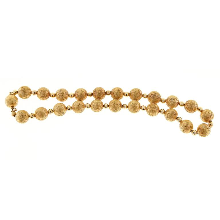 Textured Gold Beaded Necklace In Good Condition For Sale In Stamford, CT