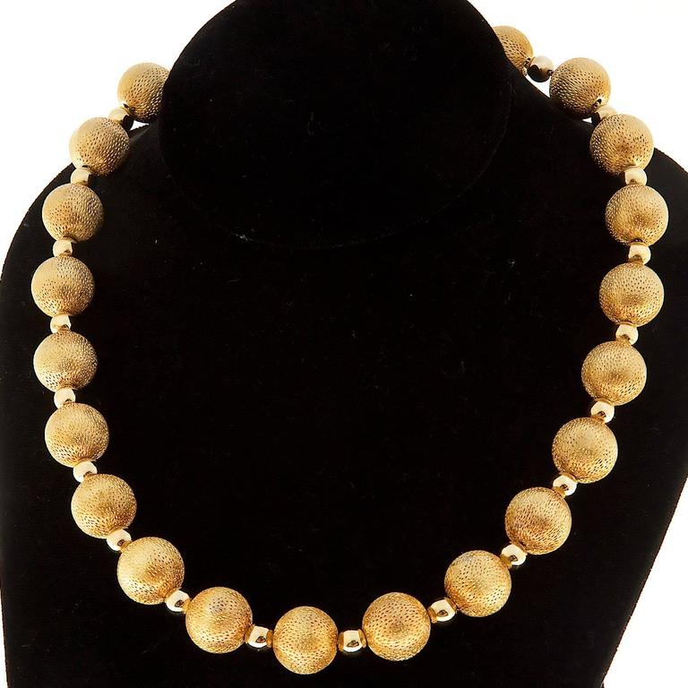 Textured Gold Beaded Necklace For Sale 2