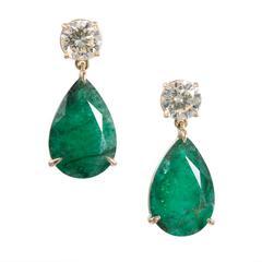 Peter Suchy 15.55 Carat Pear Shaped Emerald Diamond Gold Dangle Earrings