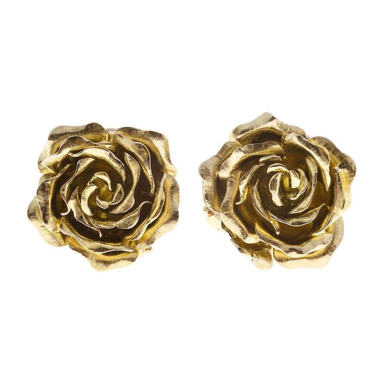 Tiffany & Co. Green Gold 3-D Clip Post Flower Earrings For Sale 1