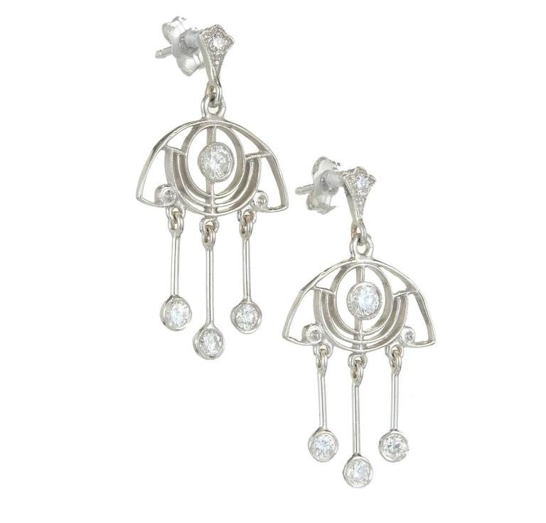 .64 Carat Diamond Platinum Dangle Chandelier Earrings In Good Condition For Sale In Stamford, CT