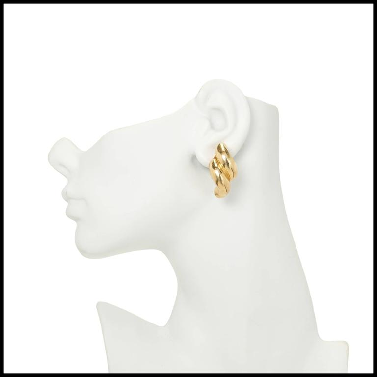 Tiffany & Co. Yellow Gold Double Swirl Link Clip Post Earrings For Sale 1