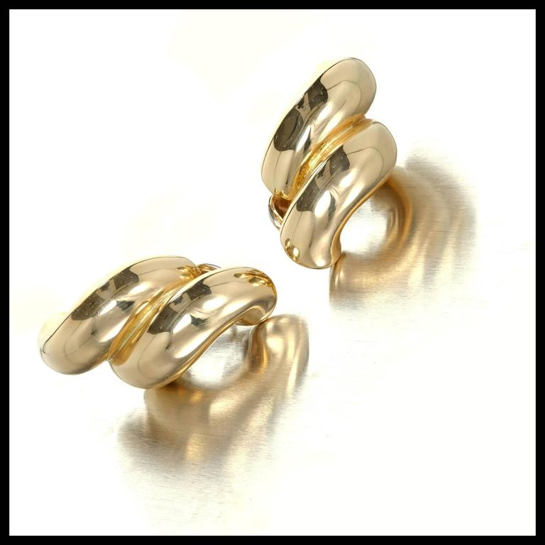 Tiffany & Co. Yellow Gold Double Swirl Link Clip Post Earrings For Sale 2