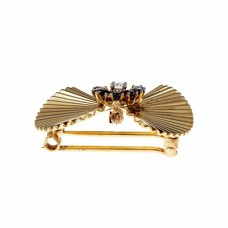 Sapphire Diamond 3-D Fluted Gold Pin Pendant In Good Condition For Sale In Stamford, CT