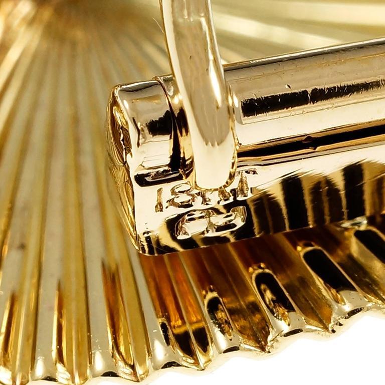 Women's Sapphire Diamond 3-D Fluted Gold Pin Pendant For Sale