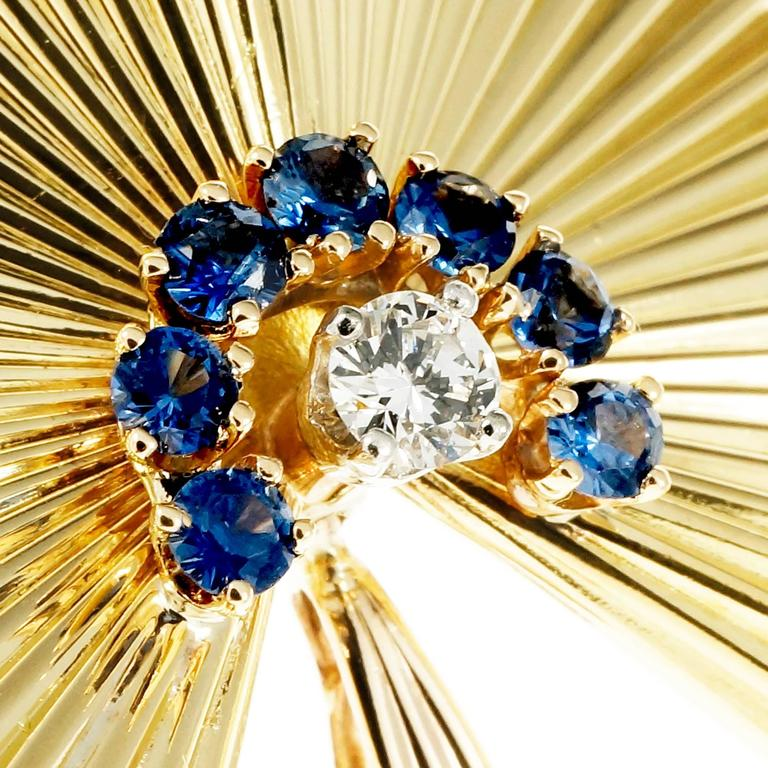 Sapphire Diamond 3-D Fluted Gold Pin Pendant For Sale 1