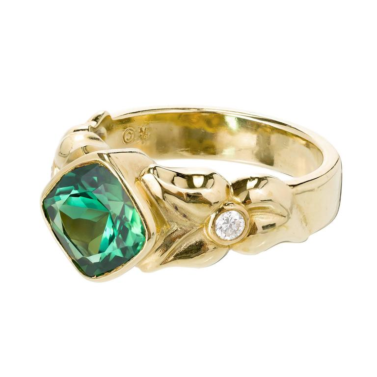 Cushion Cut 2.50 Carat Green Tourmaline Diamond Gold Cocktail Ring For Sale