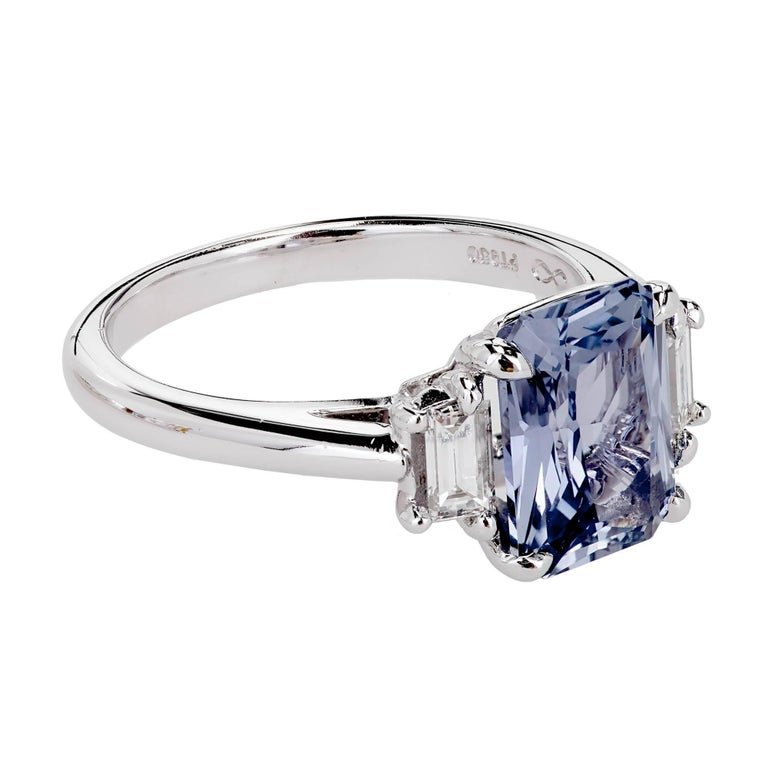 Peter Suchy 2.56 Carat Sapphire Diamond Platinum Three-Stone Engagement Ring   In Good Condition For Sale In Stamford, CT