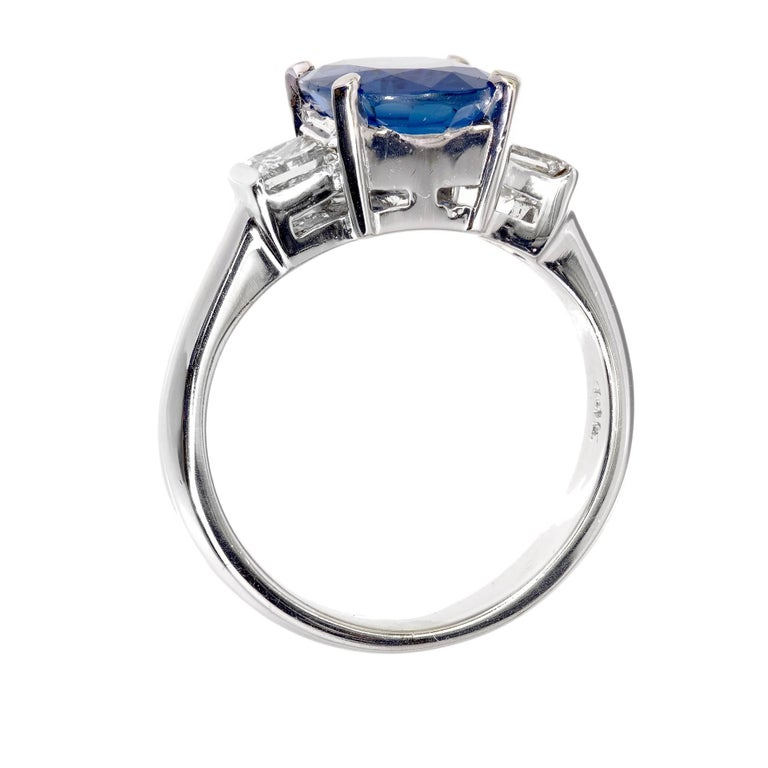 GIA Certified 3.04 Carat Oval Sapphire Diamond Three-Stone Gold Engagement Ring For Sale 1