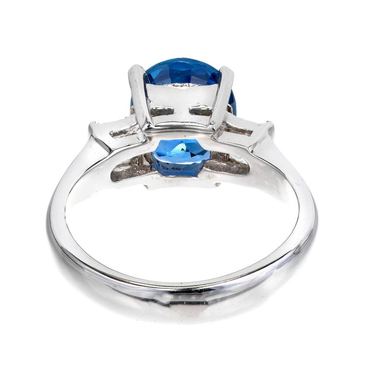 GIA Certified 3.04 Carat Oval Sapphire Diamond Three-Stone Gold Engagement Ring For Sale 2