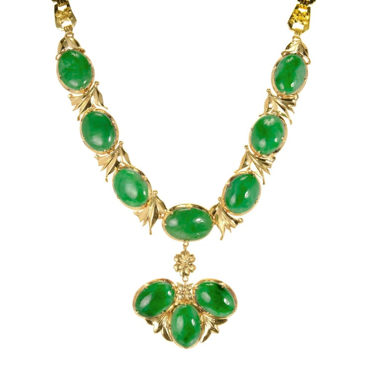 GIA Certified Natural Bright Green Jadeite Jade Gold Necklace For Sale 4
