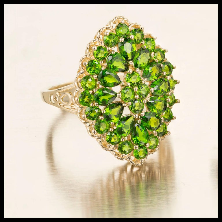 3.00 Carat Tsavorite Garnet Gold Cluster Cocktail Ring In Good Condition For Sale In Stamford, CT