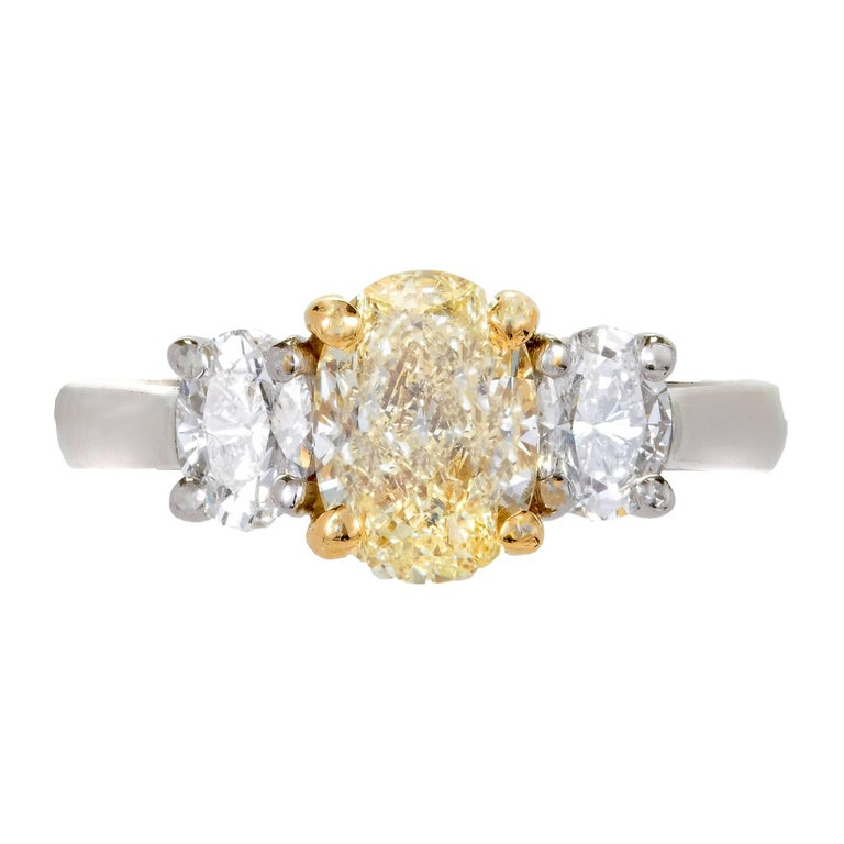 Peter Suchy EGL Certified 1.58 Carat Three-Stone Diamond Gold Engagement Ring For Sale