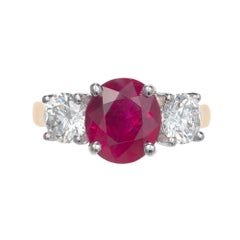Peter Suchy 3.16 Carat Oval Ruby Diamond Gold Three-Stone Engagement Ring
